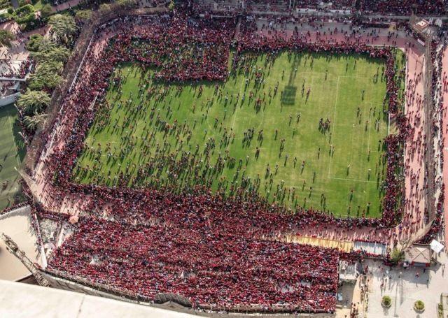 Фанаты сорвали открытую тренировку египетского футбольного клуба «Аль-Ахли» (5 фото)