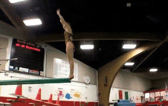 Неудачные прыжки в воду (10 гифок)