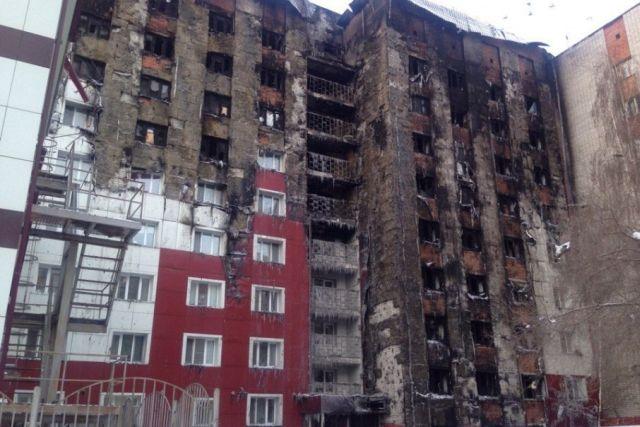 Полиция задержала мужчину, который поджог многоэтажку в Тюмени (3 фото)