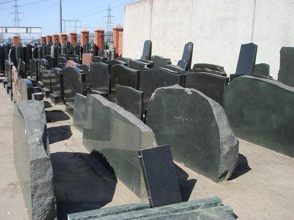 Конкуренция на рынке изготовления памятников переместилась в интернет