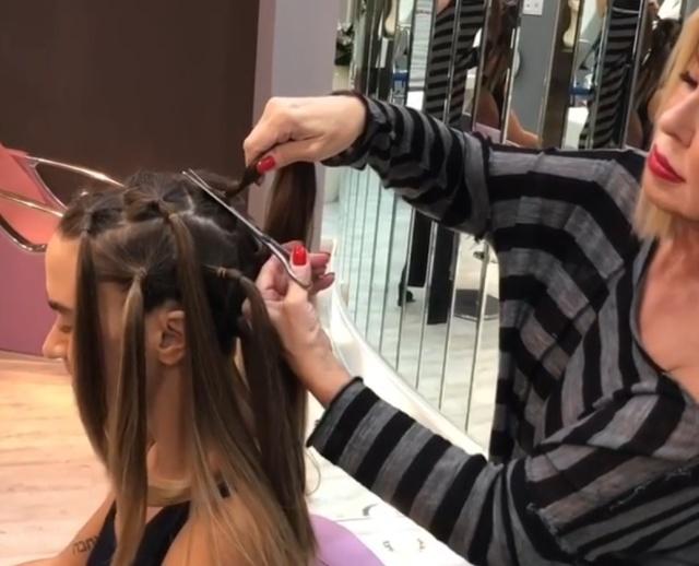 Любовь Успенская побрила налысо свою дочь, которая недавно лишилась пяти зубов (фото + видео)
