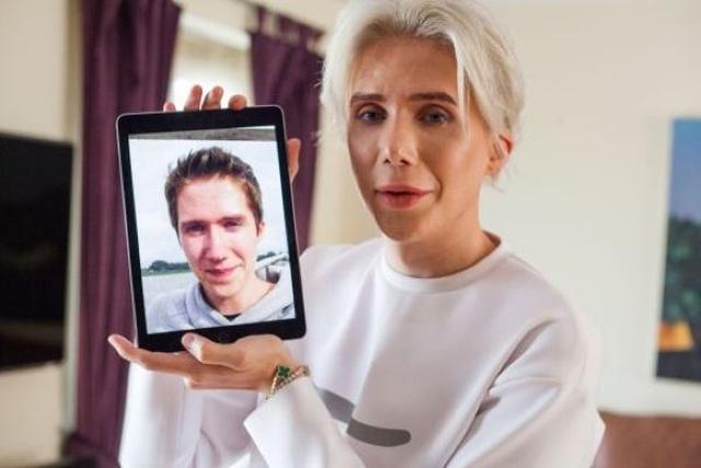 Парень из Великобритании изменил внешность, чтобы стать похожим на корейского кумира (6 фото)