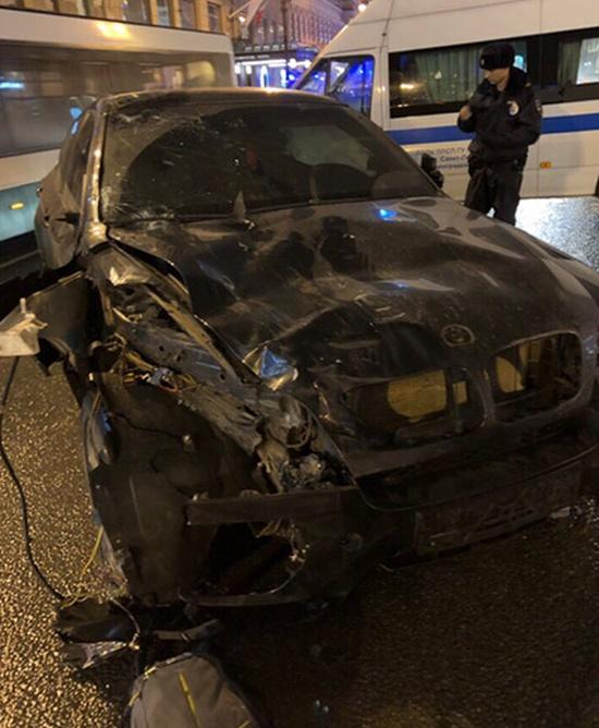 Страшная авария на Невском проспекте в центре Санкт-Петербурга (2 фото + 2 видео)