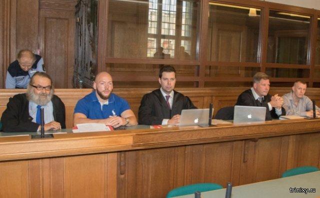 В Берлине завершился суд над двумя стритрейсерами. Оба получили пожизненный срок (3 фото)