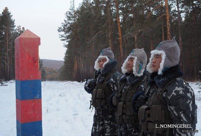 Будни монгольских пограничников на границе с Россией (14 фото)