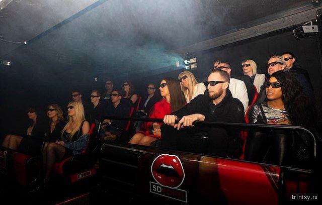 В Амстердаме открылся первый 5D-кинотеатр с фильмами для взрослых