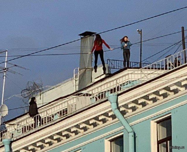 Фотосессия на крыше в Санкт-Петербурге. Слабоумие или отвага? (3 фото)