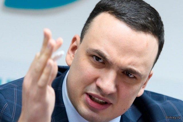 Депутат устроил пальбу во дворе многоквартирных домов в Свердловской области (видео)