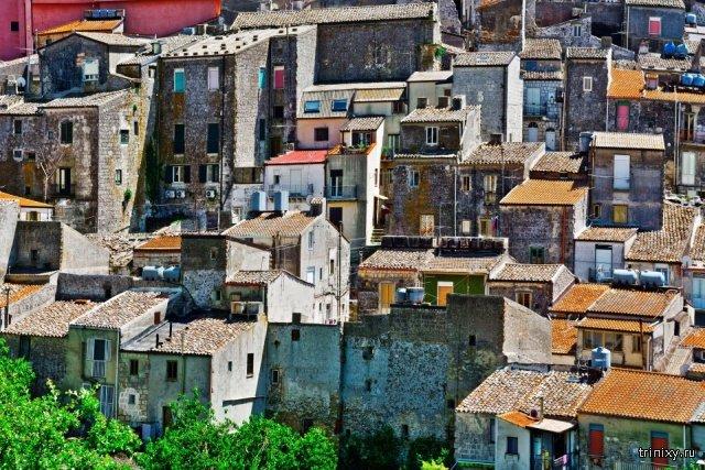 """Купить дом в Италии за 1 евро? Вполне реально, но есть одно """"НО"""" (3 фото)"""
