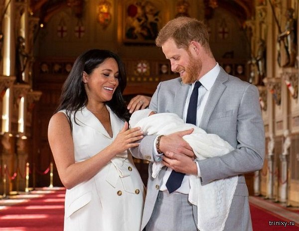 Ведущего с Би-би-си уволили за шутку про ребенка принца Гарри и Меган Маркл