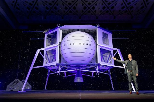 To the Moon. Самый богатый человек на планете презентовал машину для транспортировки грузов на Луну