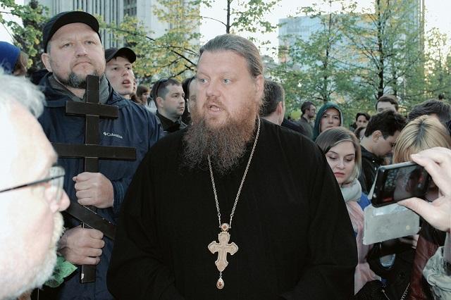 Протесты против строительства храма в Екатеринбурге продолжаются (11 фото + видео)