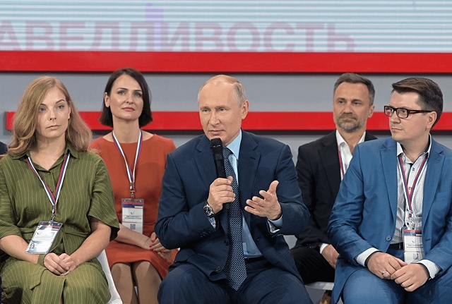 Все гениальное просто. Путин предложил решить вопрос строительства храма в Екатеринбурге путем опроса