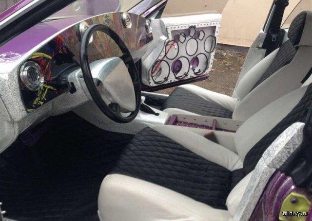 Странный автомобиль продается в Санкт-Петербурге (4 фото)