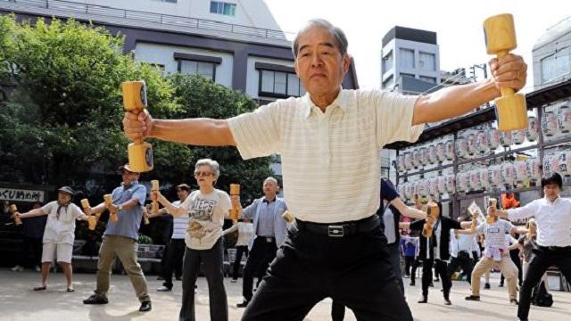 В бой идут одни старики. В Японии будут отправлять на военную службу пенсионеров