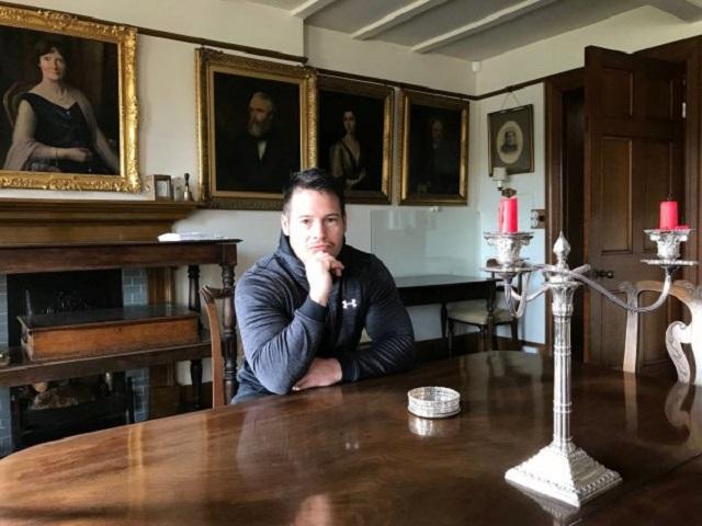 Как в сказке. Британец доказал свое аристократическое происхождение и разбогател на 50 млн фунтов (3 фото)