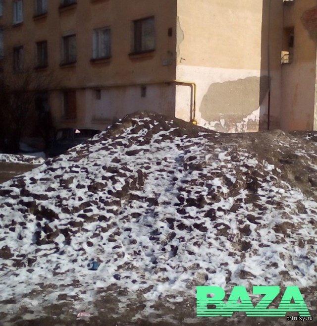 Коммунальщики из Вологды отправились в мае искать сугроб после жалобы местного жителя... но ничего нашли (2 фото)
