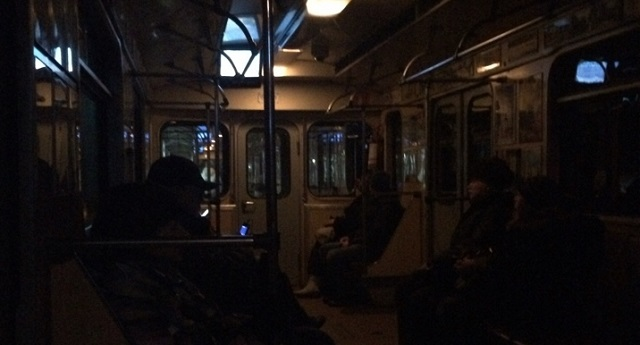 В московском метро на два часа застряли три поезда с пассажирами