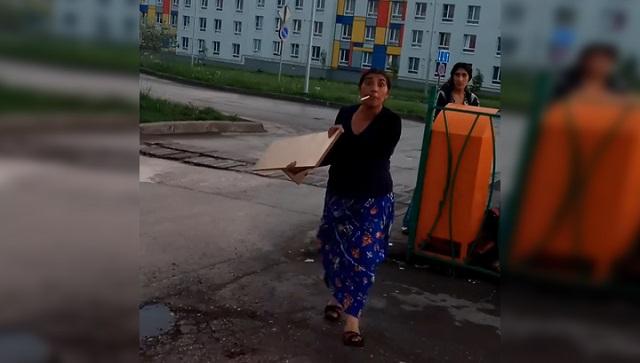 Дела семейные: в Самаре цыганка засунула сына в помойку, чтобы тот искал там еду