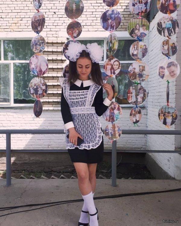 Фотографии выпускниц с последнего звонка 2019 года (20 фото)