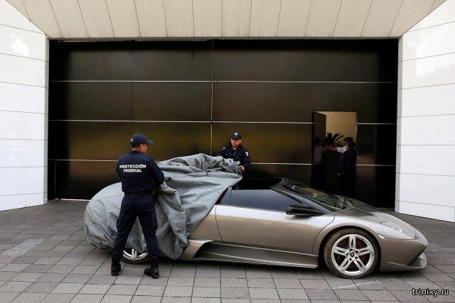 Конфискованные автомобили мексиканских преступников продадут с аукциона, чтобы помочь бедным (12 фото)