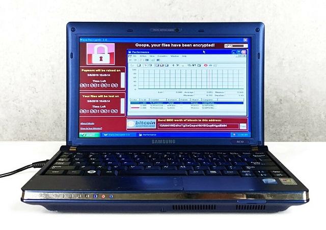 На аукционе продали зараженный вирусами ноутбук за 1,3 млн долларов