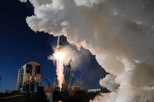 В США запретили пользоваться услугами РФ при космических запусках с 2022 года