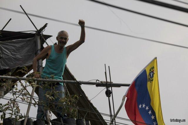 Свежие фотографии из Венесуэлы. Быт и жизнь во время кризиса (39 фото)