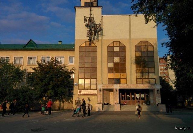 """В одной из школ Екатеринбурга целый класс первоклашек заставили писать слово """"ж*па"""", чтобы вычислить """"подозреваемого"""" (2 фото)"""