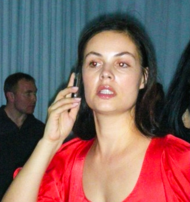 Российские знаменитости, которые не боятся фотографироваться без макияжа (50 фото)