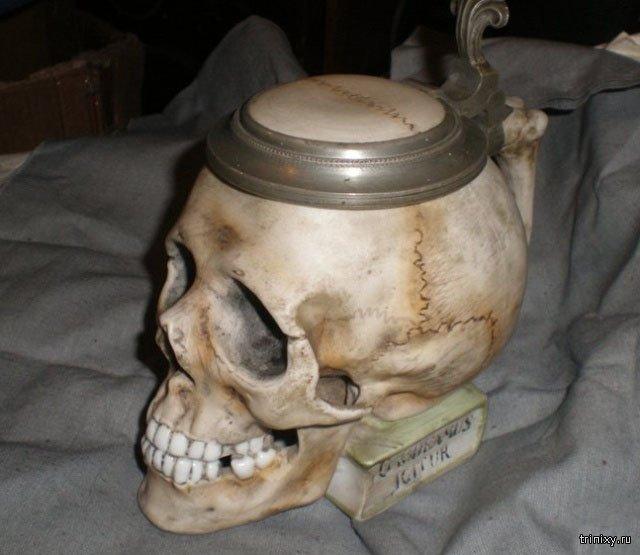 Если среди ваших друзей есть студент-медик, он будет без ума от такого подарка (4 фото)