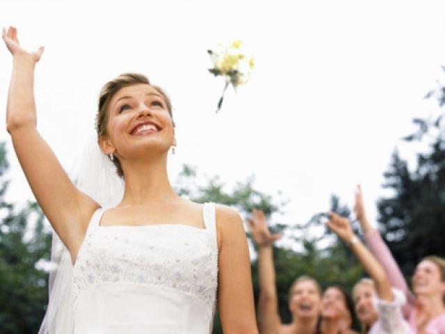 Женщина вышла замуж за мужчину, который был без сознания