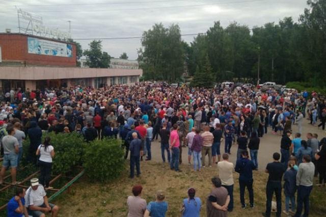 """Разборка в Чемодановке. Сельские власти объявили """"сухой закон"""" и начались массовые драки с цыганами, а местный губернатор назвал это """"проделками Запада"""""""
