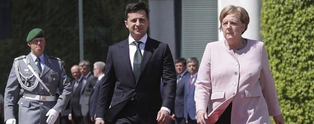 Зеленского раскритиковали за равнодушие к Меркель