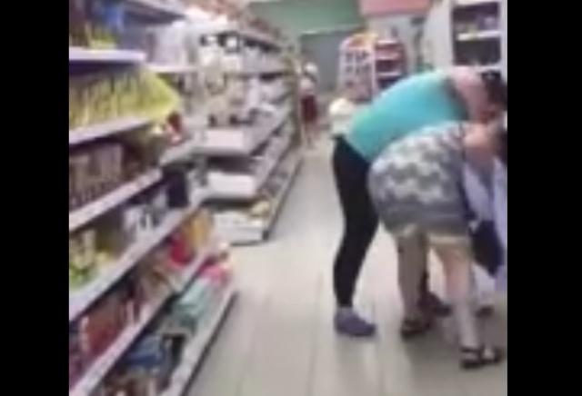"""Грозная продавщица из """"Пятерочки"""" напала на женщину"""