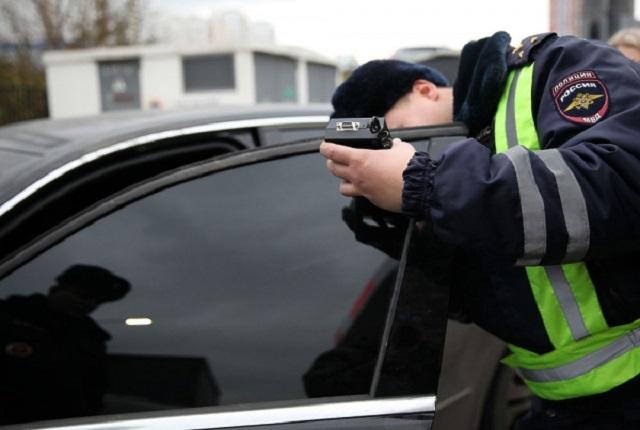 В Госдуме планируют отменить штрафы за тонировку стекол автомобиля