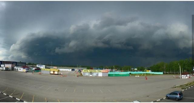 Сильный  ураган обрушился на Ульяновск (6 фото + видео)