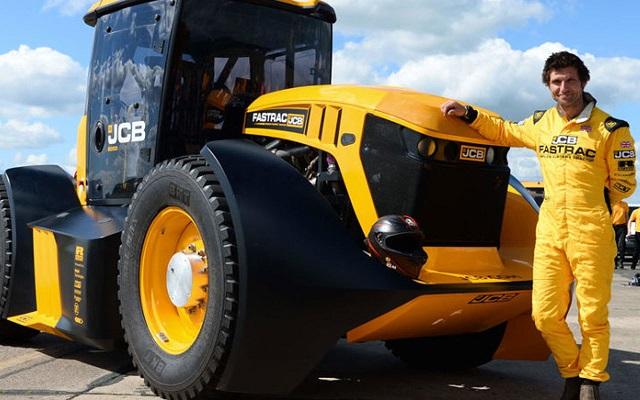 Новый рекорд Гиннесса: гонщик из Великобритании смог разогнать трактор до 167 км/ч