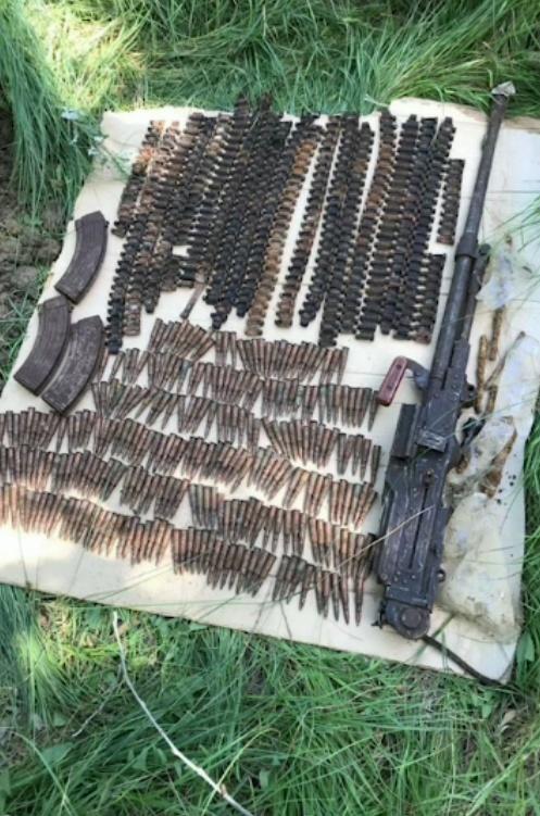 В Дагестане найден схрон с оружием (4 фото)