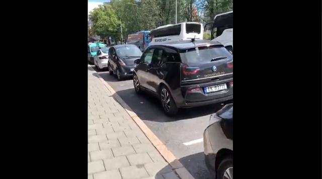 Типичная парковка в Норвегии