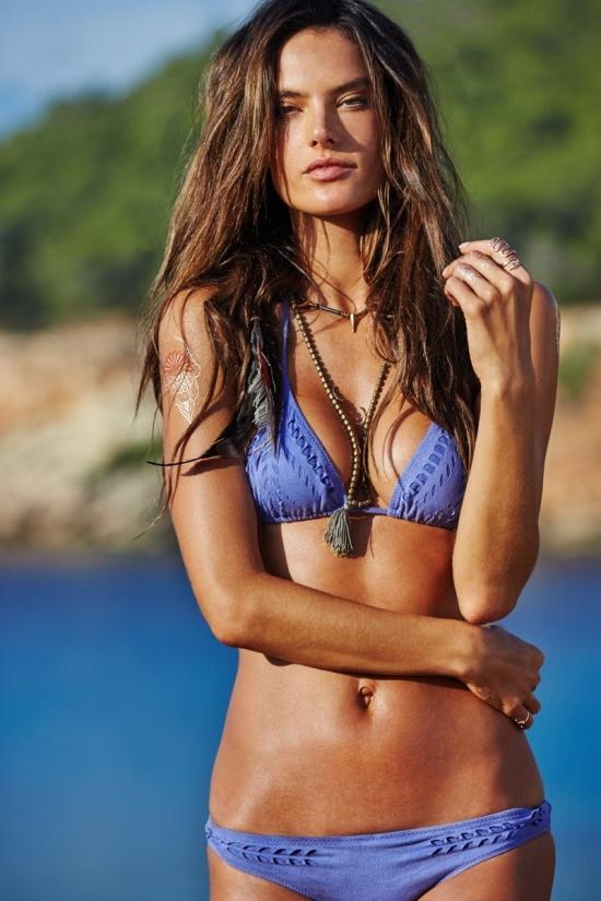Ирину Шейк признали лучшей в мире моделью для рекламы бикини (15 фото)
