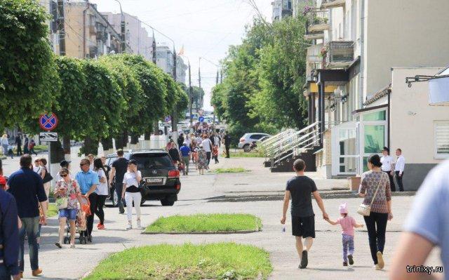Леонид Аркадьевич, нехорошо по тротуарам ездить!