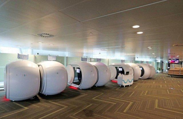 Капсульные комнаты отдыха в китайских аэропортах (4 фото)