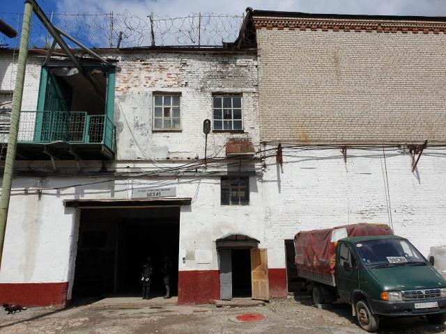 В Тюмени на зоне строго режима была найдена комфортабельная «квартиру» (3 фото)