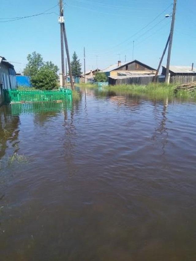Снова наводнение: в городе Канск вода в реке поднялась до 439 см (5 фото + видео)