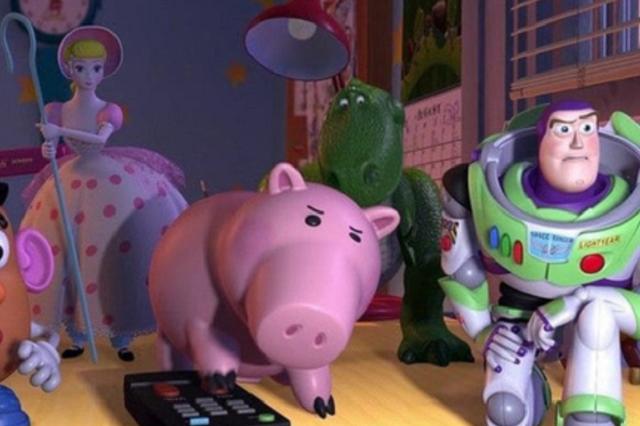 """Цензура добралась и до """"Истории игрушек-2"""". Студия Disney вырезала сцену """"сексуального домогательства"""""""