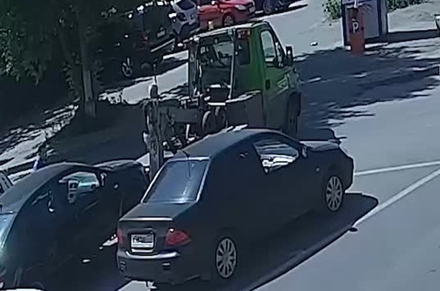 Необычный способ украсть автомобиль