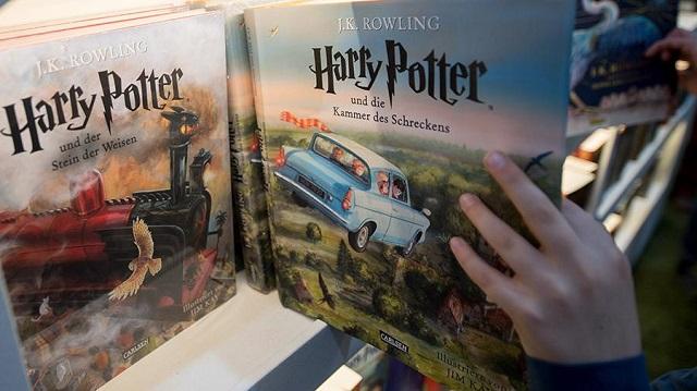 """Студия Warner Bros. собирается снять сериал по вселенной """"Гарри Поттера"""""""
