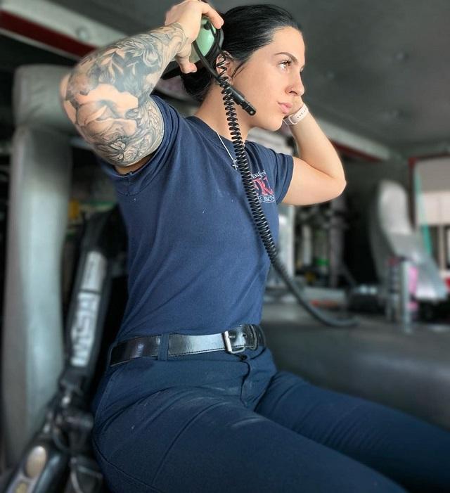 Пресли Притчард - девушка с очень горячей профессией  (13 фото)