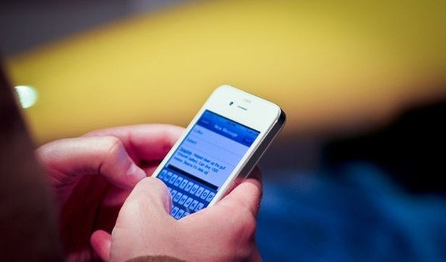 В Госдуме хотят запретить продажи смартфонов без российского софта